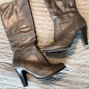 Gray Shoe Dazzle Calf Height Boots